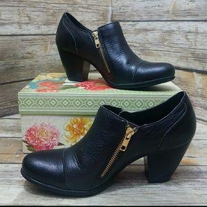 b.o.c Black Leather Booties